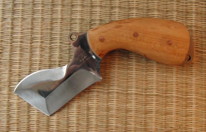 Отличный ножик для любителя природы.