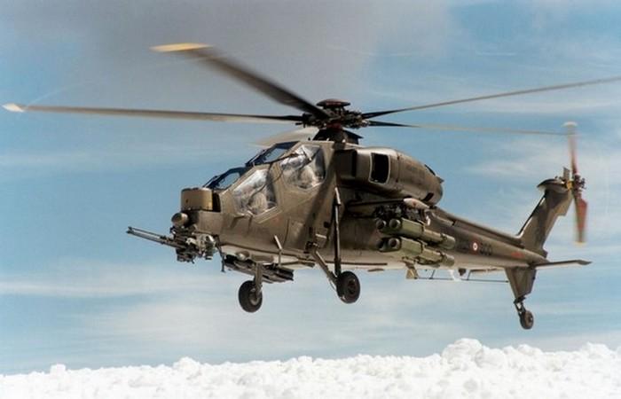 Вертолет Agusta A129 «Mangusta». Италия.