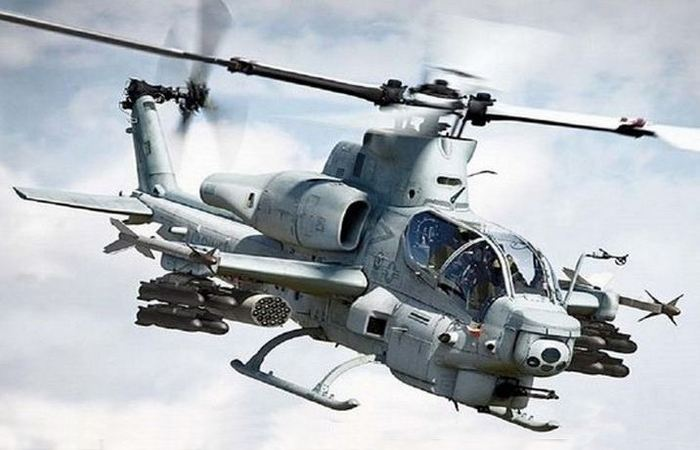 Вертолет Bell AH-1Z «Viper».