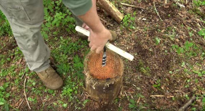 Собираем инструмент. /Фото: youtube.com.