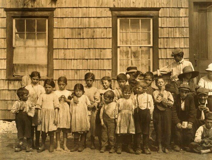 Понятие детства появилось только в 19 веке. /Фото: livejournal.com.
