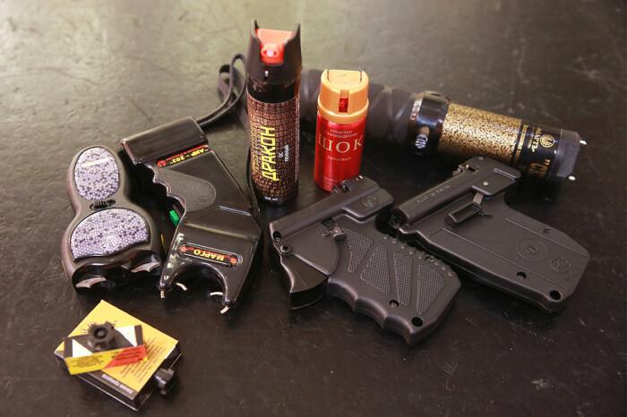 В первую очередь можно покупать газовое оружие. /Фото: rusinfo.info.