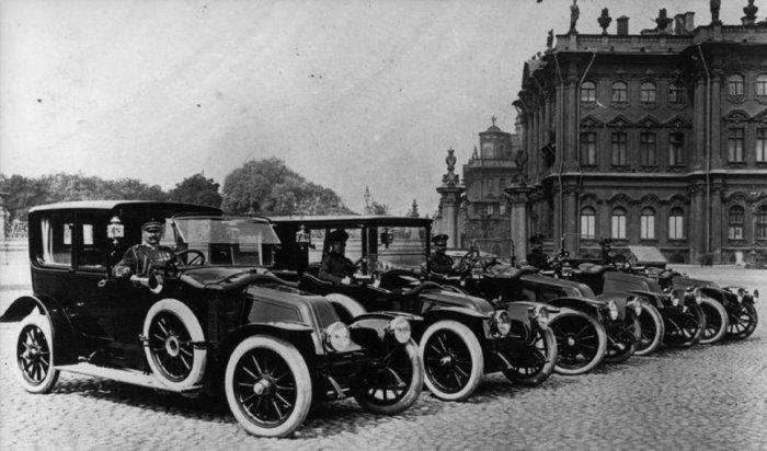 Часть машин была реквизирована еще во время революции.