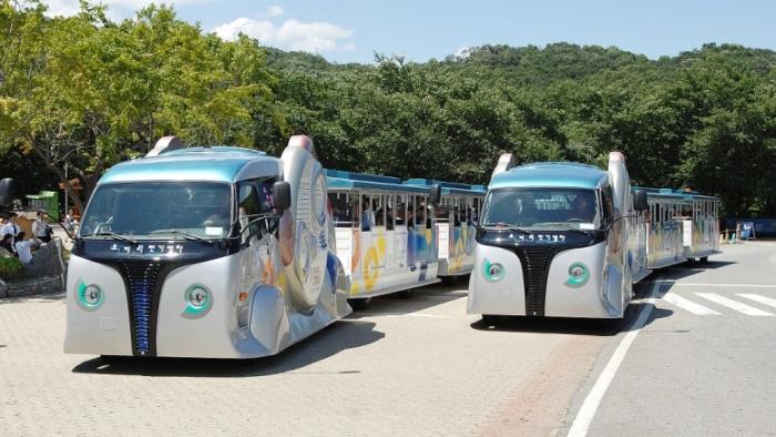 Странный южнокорейский трамвайчик.
