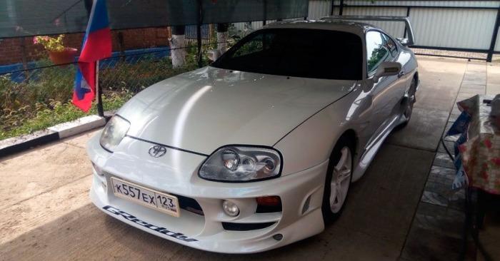Отличный автомобиль Toyota Supra.