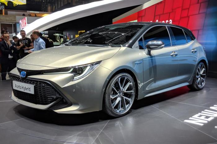 Отличное решение в лице Toyota Auris.