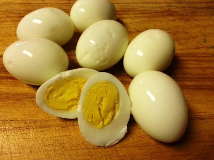 Как сделать так, чтобы яйца хорошо чистились. /Фото: westsharm.ru.