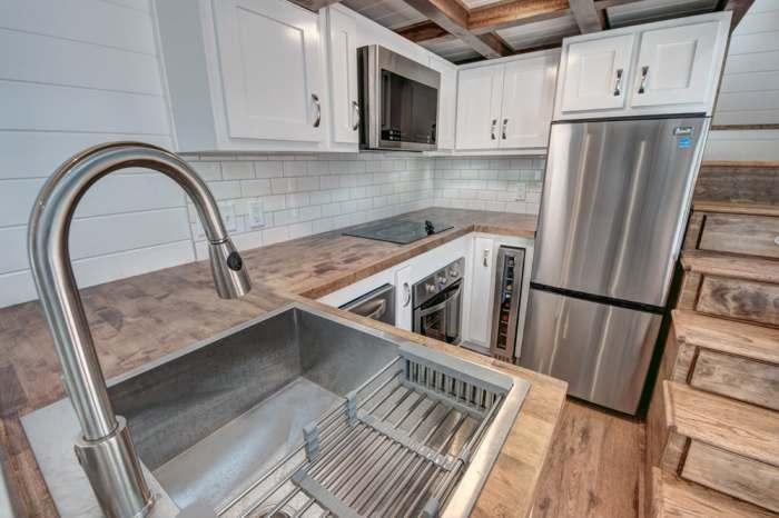Так выглядит кухня.
