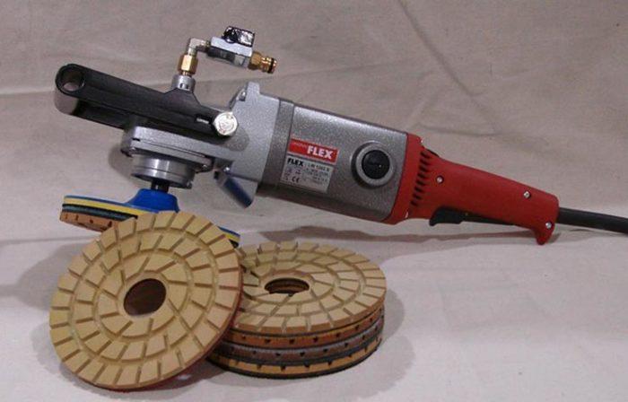 Есть разновидности с водяной подачей. /Фото: plitkahelp.com.