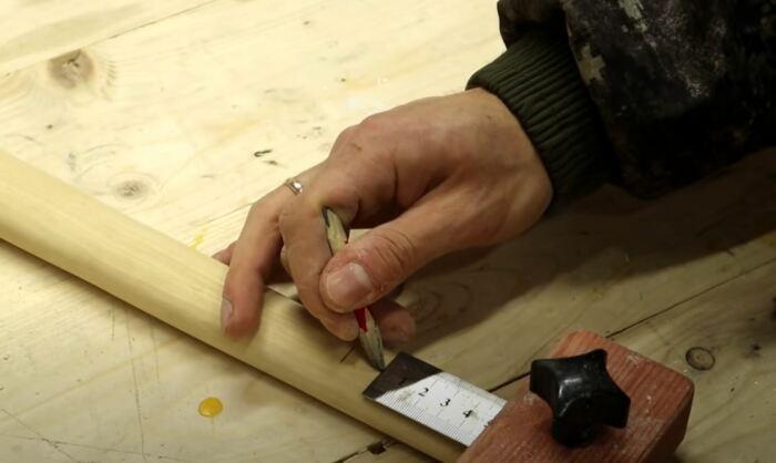 Как закрепить молоток на ручке без использования клиньев