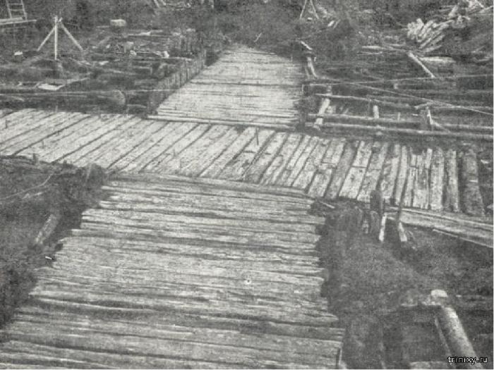 Первые дороги мостили деревом, так же как и улицы городов. /Фото: infourok.ru.