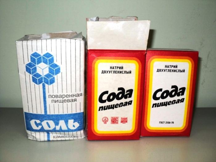 Понадобятся соль и сода. /Фото: kitchenok.ru.
