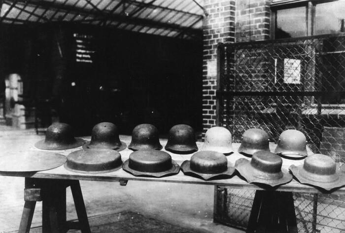 Почему толстые немецкие каски держали попадания хуже, чем тонкие советские