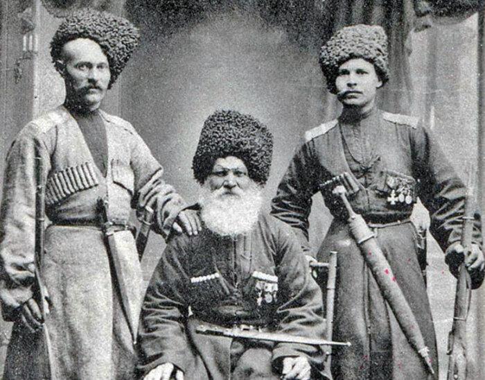 Огромное влияние на холодное оружие оказала традиция Кавказа. /Фото: gunslaw.ru.