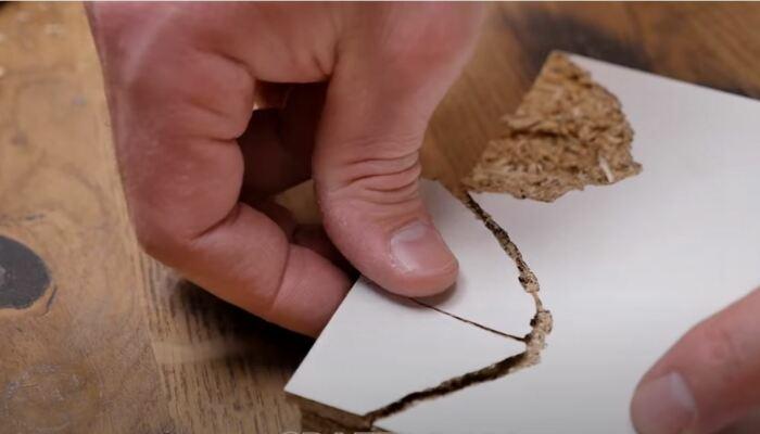 Поможет в восстановлении обычный ПВА клей. /Фото: youtube.com.