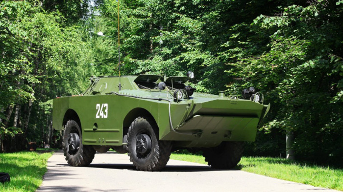 Попутно с БТР-60 была создана БРДМ-1. /Фото: war-time.ru.