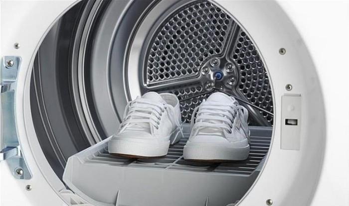 Не всю обувь можно стирать. /Фото: vplate.ru.