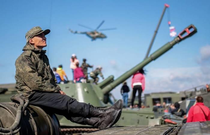 Перевооружение занимает не один день. /Фото: burdenko5.ru.