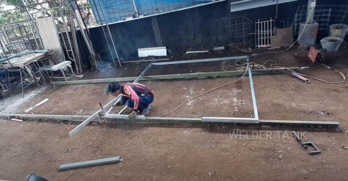 Делаем рамку. /Фото: youtube.com.