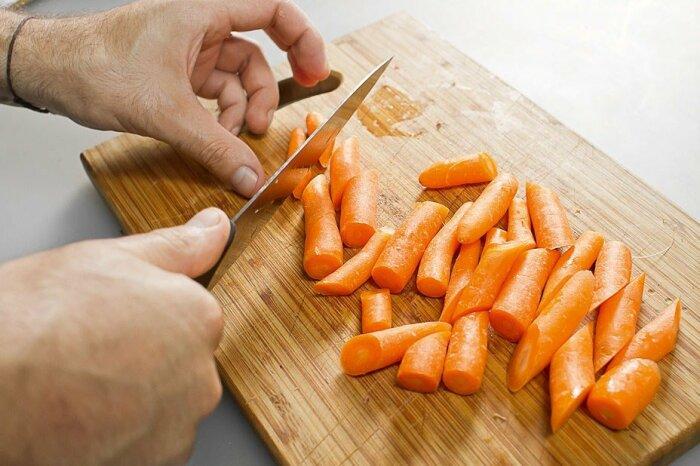 Таким образом свежая морковь будет круглый год. /Фото: legkovmeste.ru.