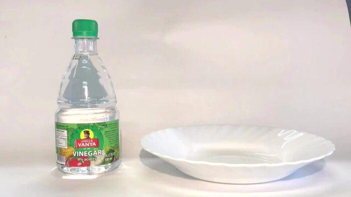 Скорлупа слетит сама: что нужно добавить в воду при варке яиц
