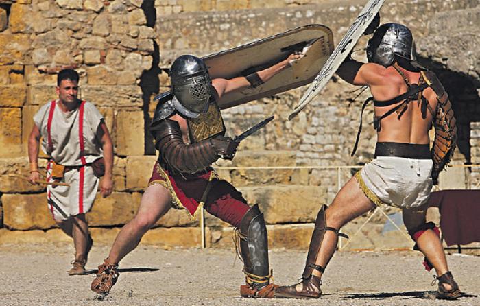 Гладиаторы были качками. /Фото: history-doc.ru.
