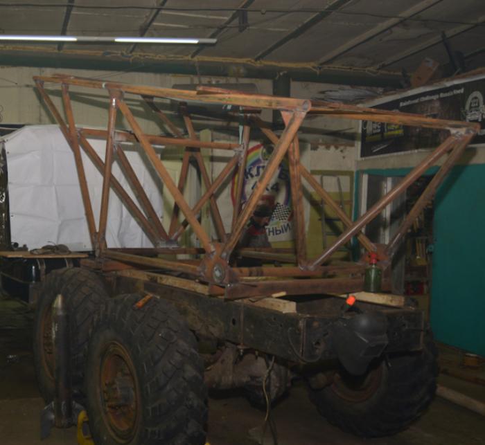 Потом поставили вот такую штуку, вместо грузового отсека.