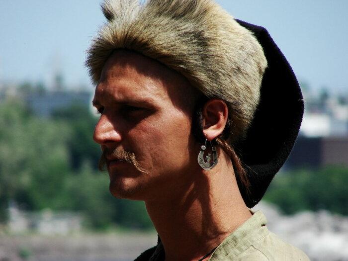 Серьги указывают на семейное положение казака. /Фото: fotokto.ru.