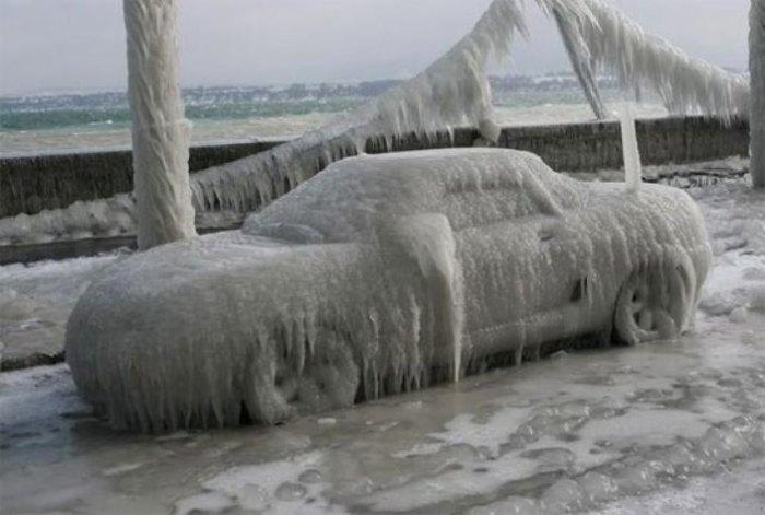 Отлично топит лед.