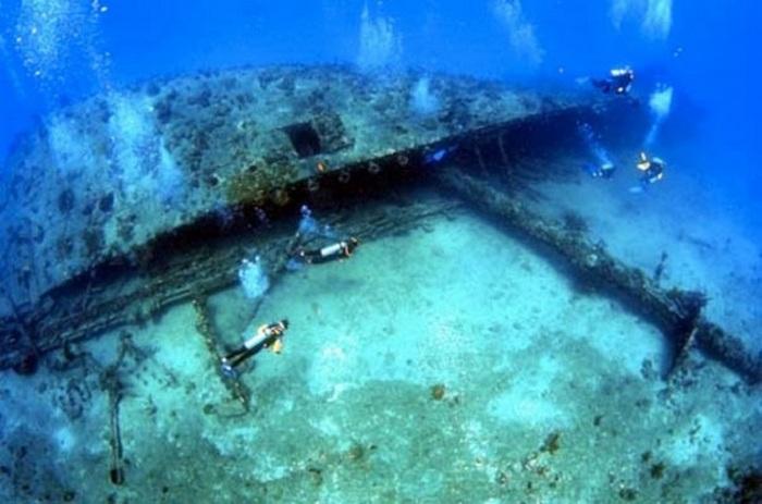 Ураган потопил этот корабль.