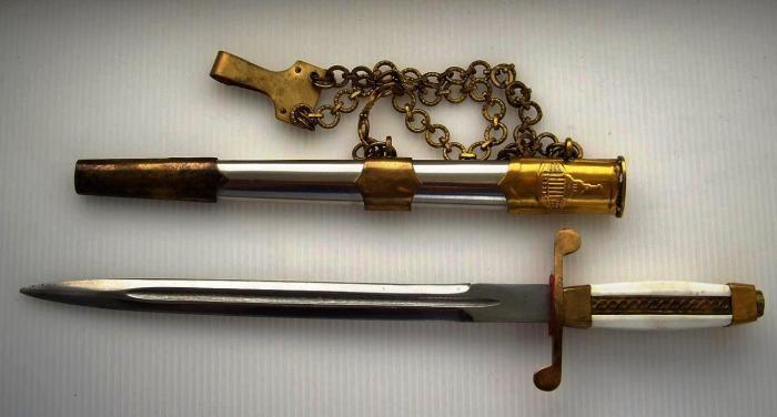 Сначала кортик был абордажным оружием.