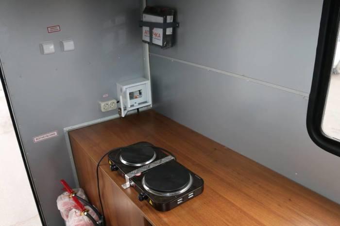 Кухня на месте.