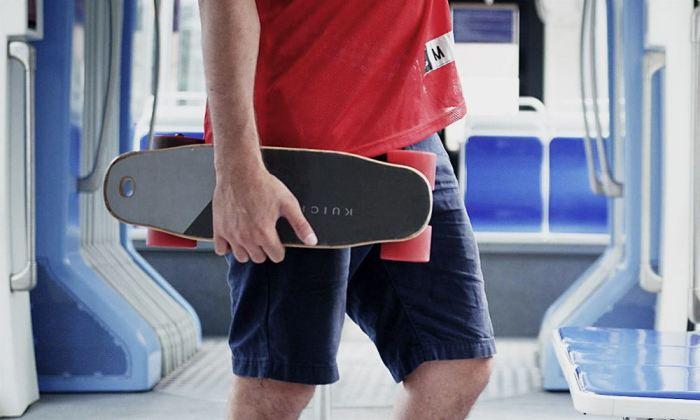 Самый маленький в мире скейт с пультом управления.