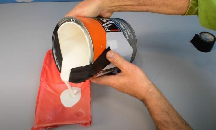 Уголок из изоленты. /Фото: youtube.com.