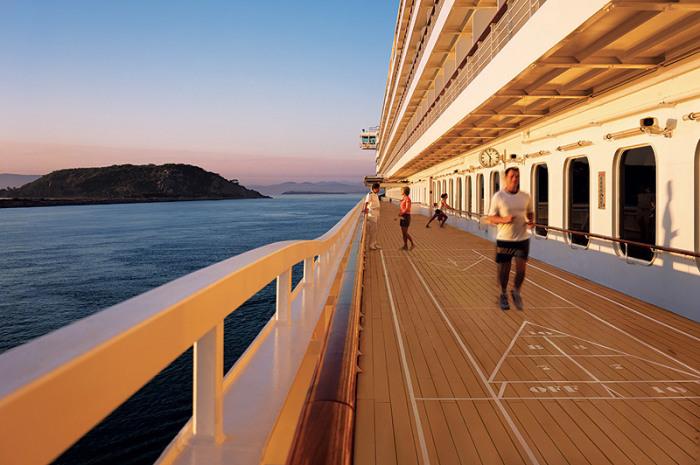 Достаточно большие палубы. /Фото: desderitravelclub.com.