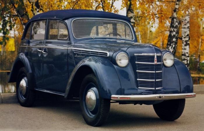 Москвич 400 дополняет коллекцию.