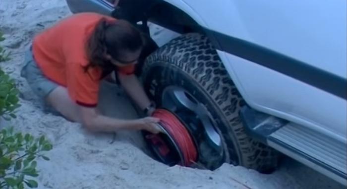 Автомобилист справится с проблемой самостоятельно.