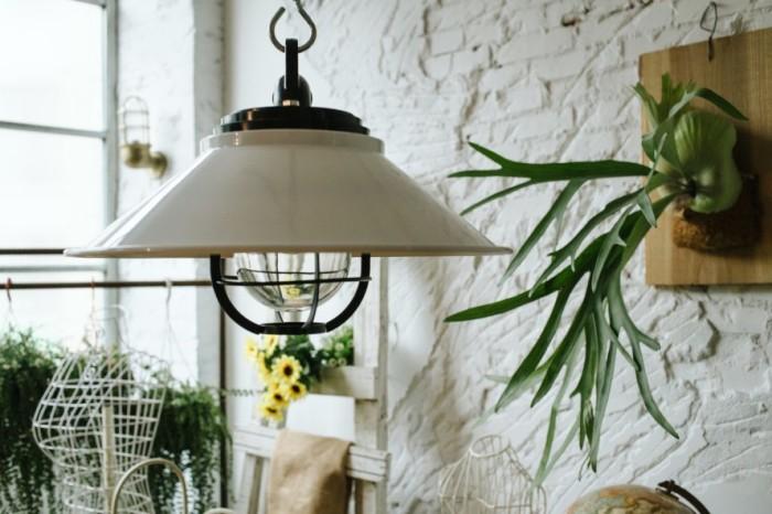 10 великолепных старинных ламп, которые добавят деревенского шарма и уюта любому дому.