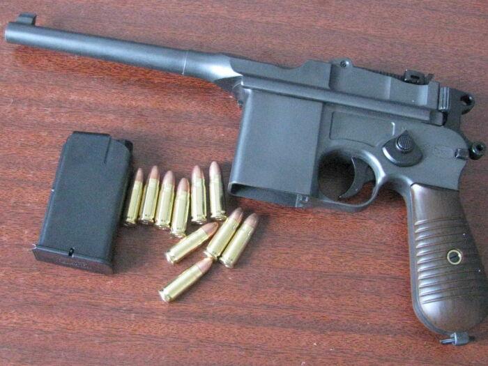 Патрон у Маузера все еще пистолетный. /Фото: allzip.org.