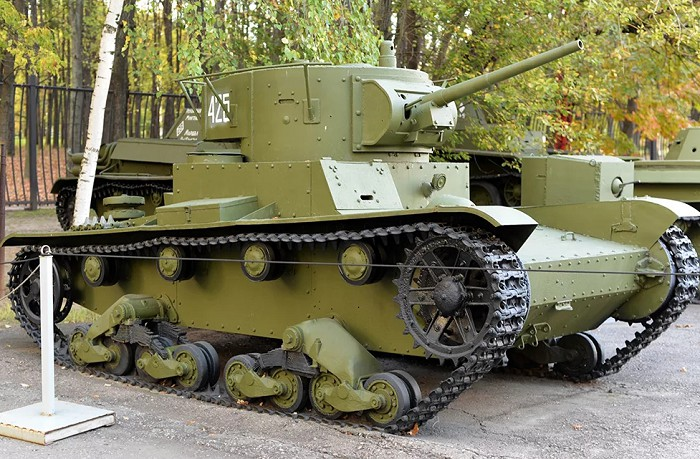 Ранний танк. /Фото: yandex.by.