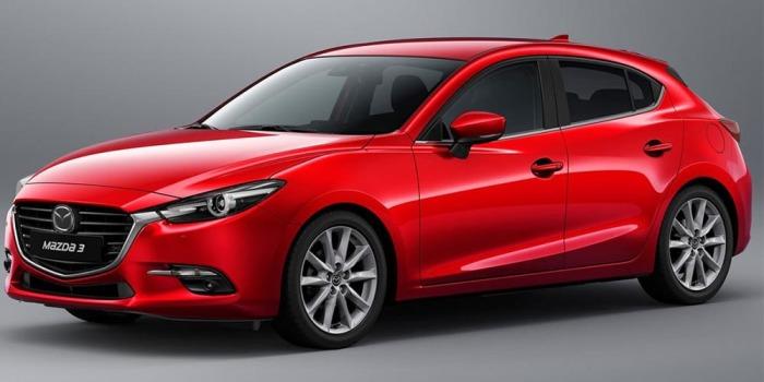 Малолитражная Mazda 3 отличный выбор для мужика.