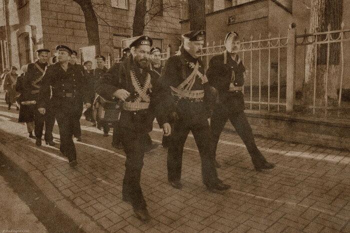 Матросы стали одним из символов революция. /Фото: livejournal.com.