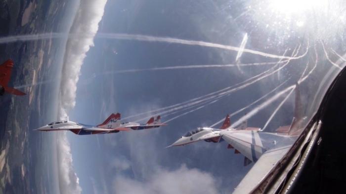 Небо завораживает. /Фото: defence.ru.