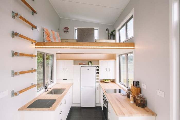 Кухня и подъем на полку.