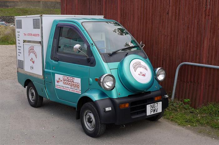 Еще один странны фургон - Daihatsu Midget II.