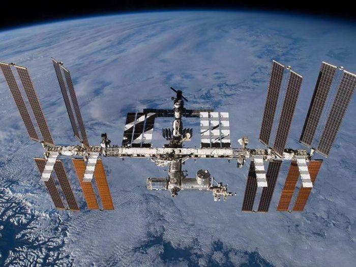 Станция летает на высоте в 400 км. /Фото: avto.goodfon.ru.