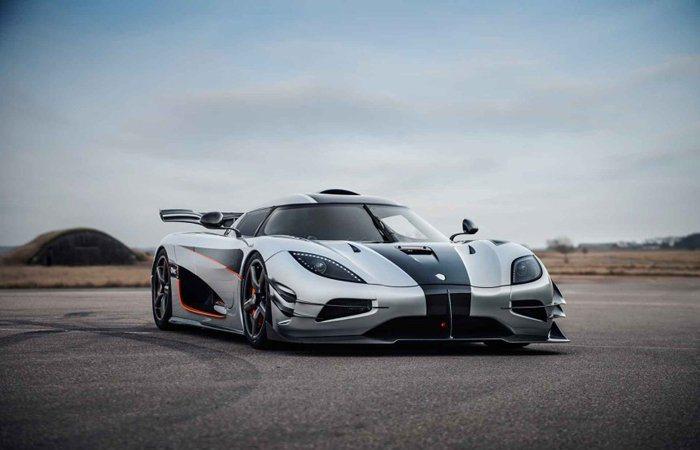 Самый быстрый автомобиль.