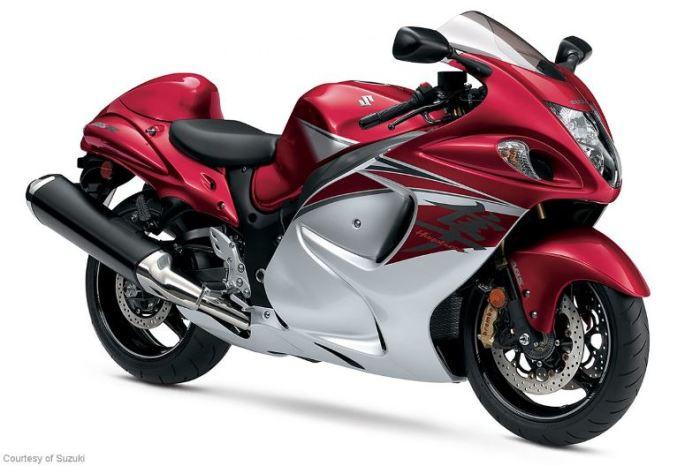 Мотоцикл Suzuki Hayabusa выглядит немного перегруженным.