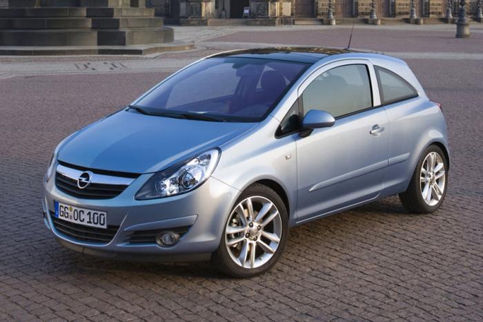 Молодой и успешный Opel Corsa.