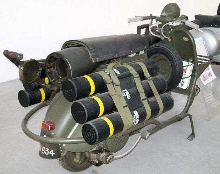 Vespa 150 TAP - ещё одна боевая модель.
